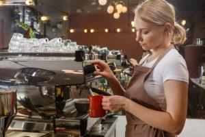 業務起因により新型コロナに感染した職員は、労災適用になりますか?