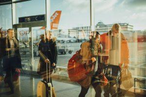 出張時の荷物の運搬を伴う移動時間は労働時間にあたるのか?