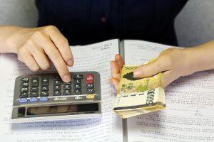 退職者の振替休日・振替出勤精算