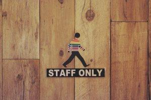 年間休日の変更、社員の同意はどこまで取るべきか